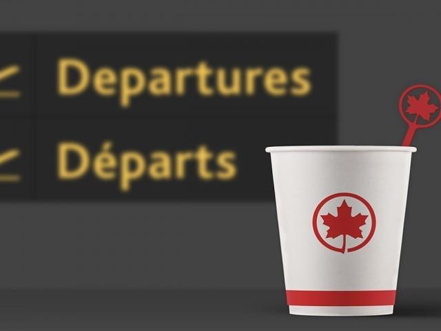 Air Canada bannit officiellement les bâtonnets en plastique à usage unique