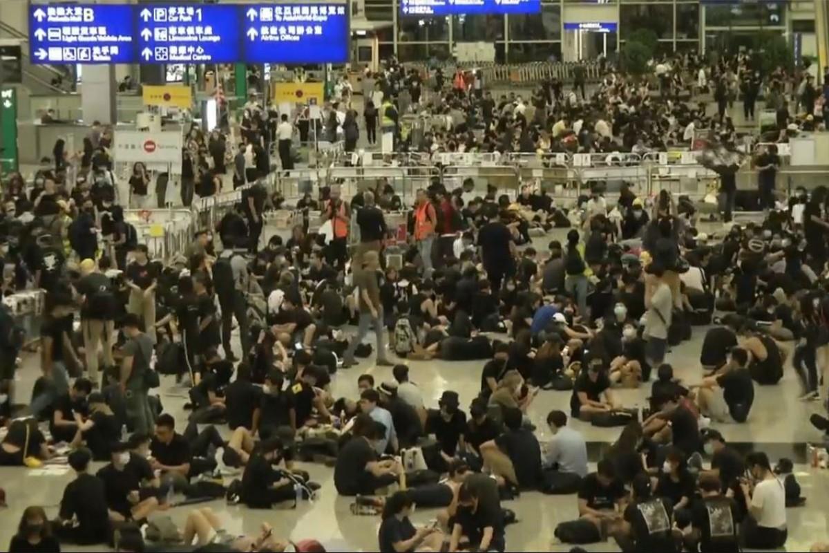 Manifestations à Hong Kong : tous les vols sont annulés !
