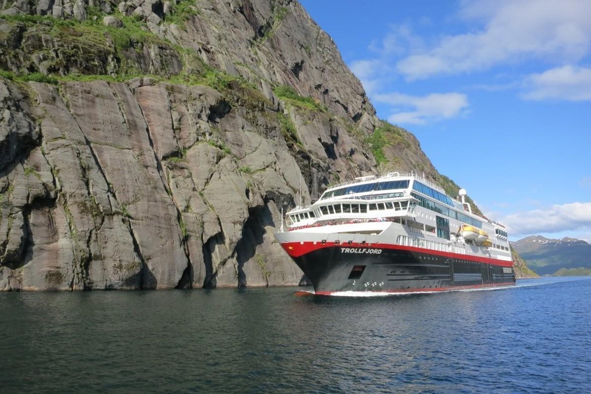 Trois navires Hurtigruten seront renommés après leur transformation en hybride