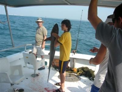 Belle pêche pour un jeune