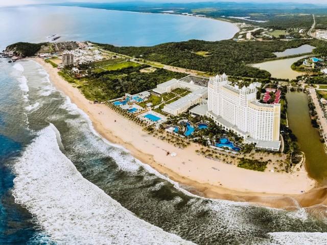 PHOTOS : Le Riu Emerald Bay rouvre après des rénovations et un agrandissement