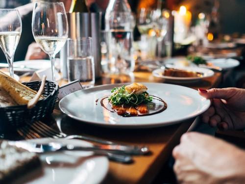 Sondage : les Canadiens voyagent... pour bien manger !