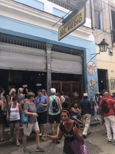 La cubaine mendiante