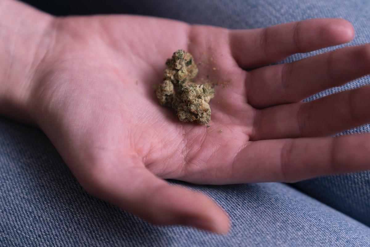 Un an de cannabis légal : ce que les voyageurs canadiens doivent savoir