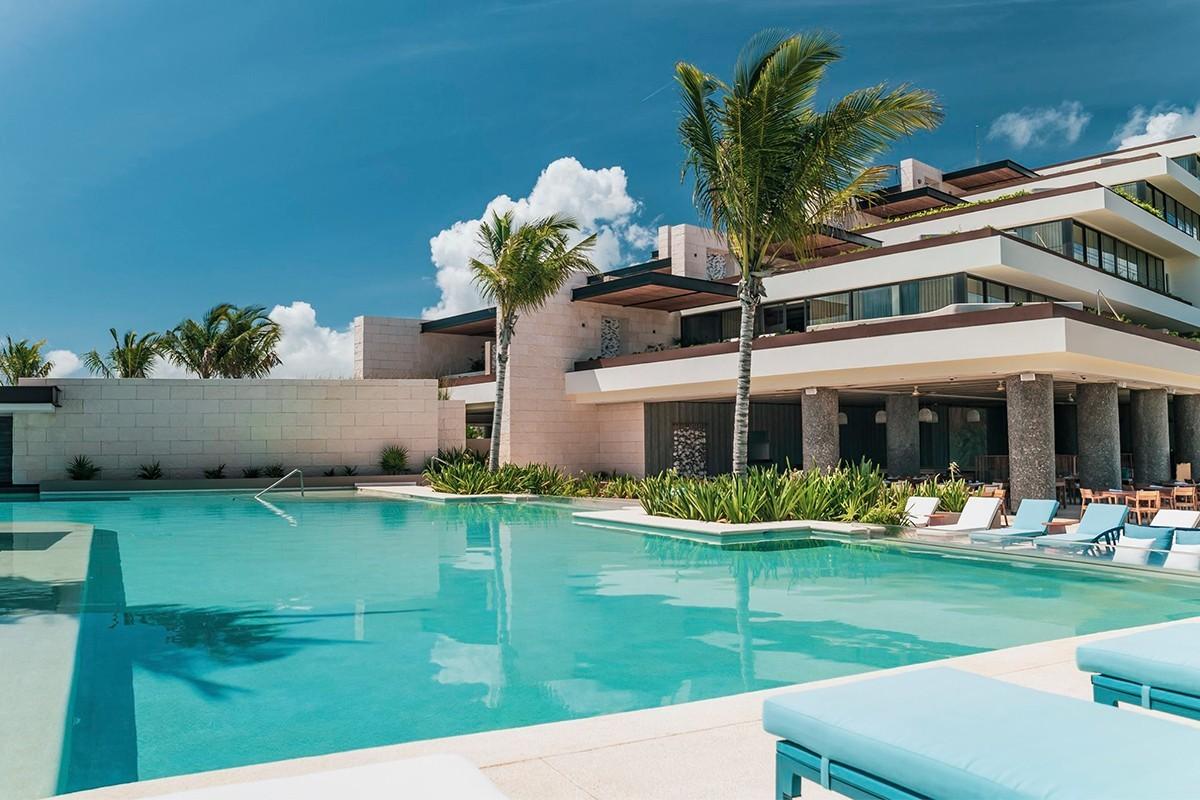PHOTOS: Atelier de Hoteles ouvre un nouveau tout-inclus familial de luxe à Playa Mujeres