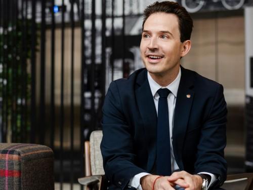 Pascal Prinz : un matchmaker amoureux de la Suisse