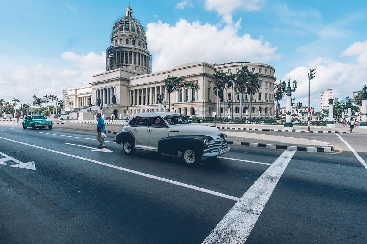 La Havane : un défilé de voitures unique en son genre organisé par Iberostar
