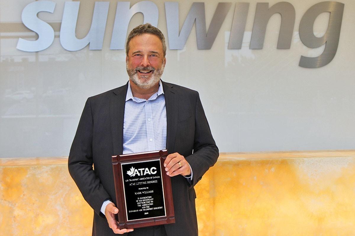 Mark Williams, président de Sunwing Airlines, désigné membre émérite par l'ATAC