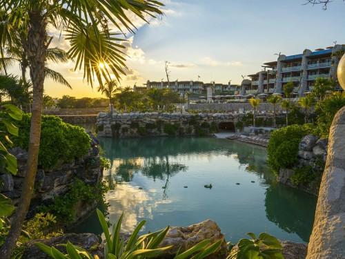 VIDÉOREPORTAGE : l'Hotel Xcaret Mexico, niché le long de la côte caribéenne à Riviera Maya