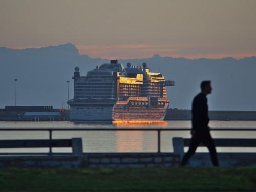 Les compagnies de croisières resserrent les conditions d'embarquement pour contrer le coronavirus