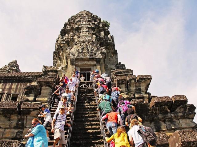 Faut-il interdire le tourisme ?