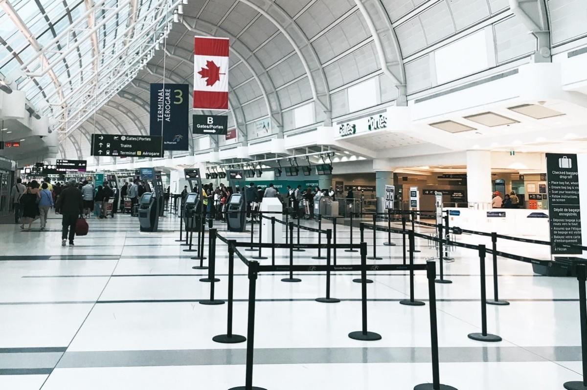 COVID-19 : Ottawa limite les arrivées internationales à 4 aéroports canadiens