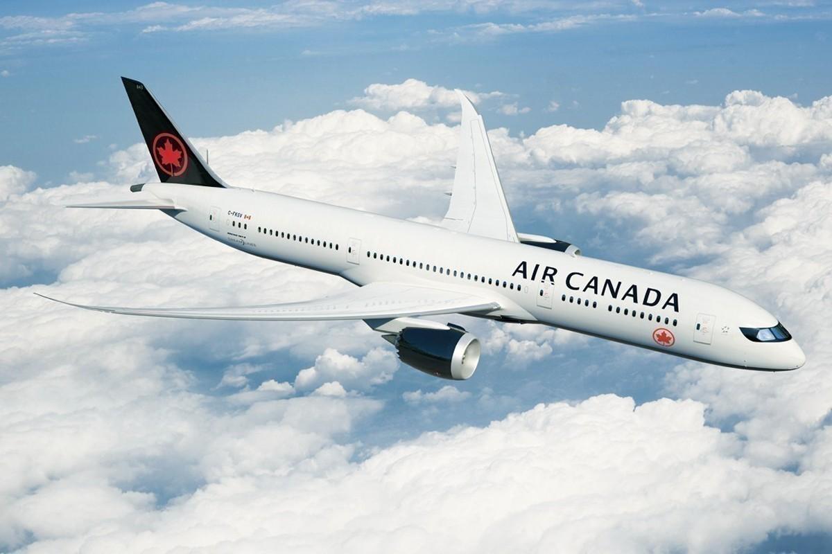 Air Canada réduit de moitié sa capacité aérienne à partir d'avril