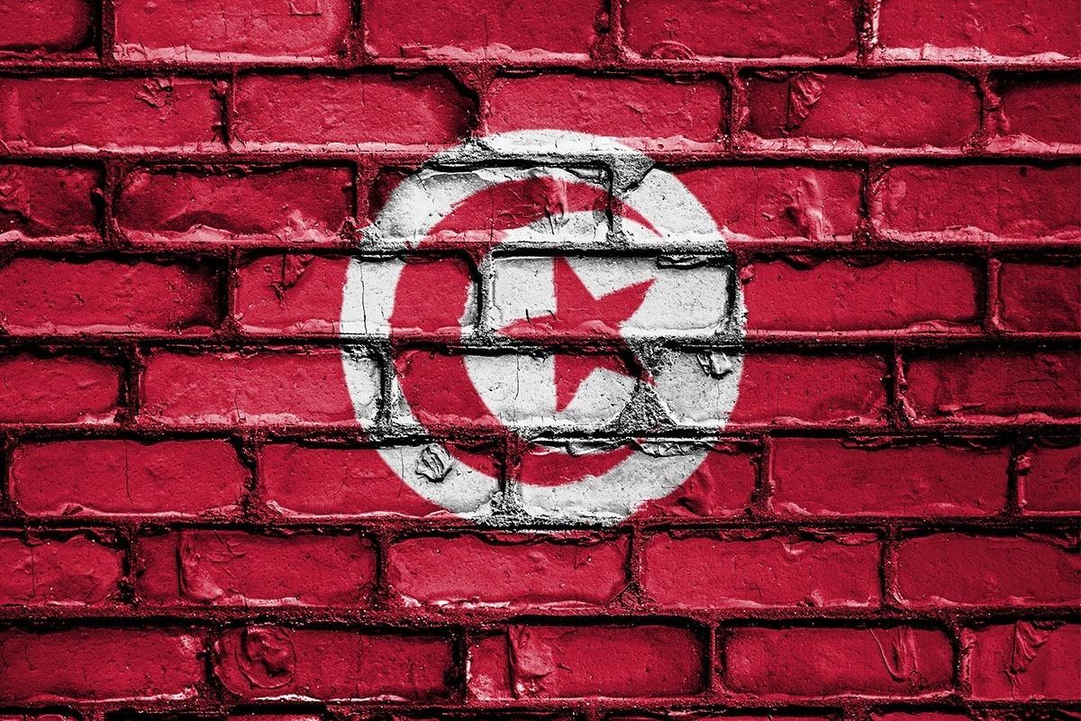 La Tunisie ferme ses frontières aériennes et terrestres