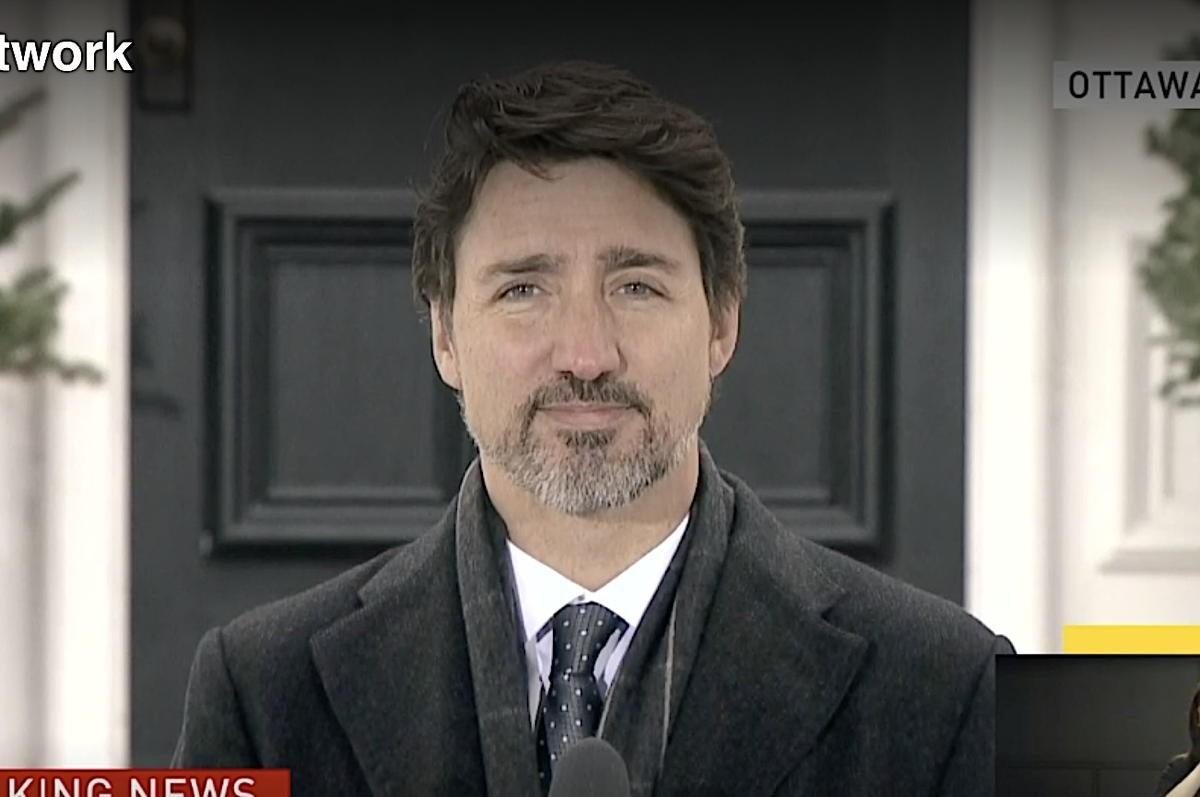 Ottawa travaille avec Air Canada et WestJet pour rapatrier les Canadiens, la frontière fermera vendredi soir