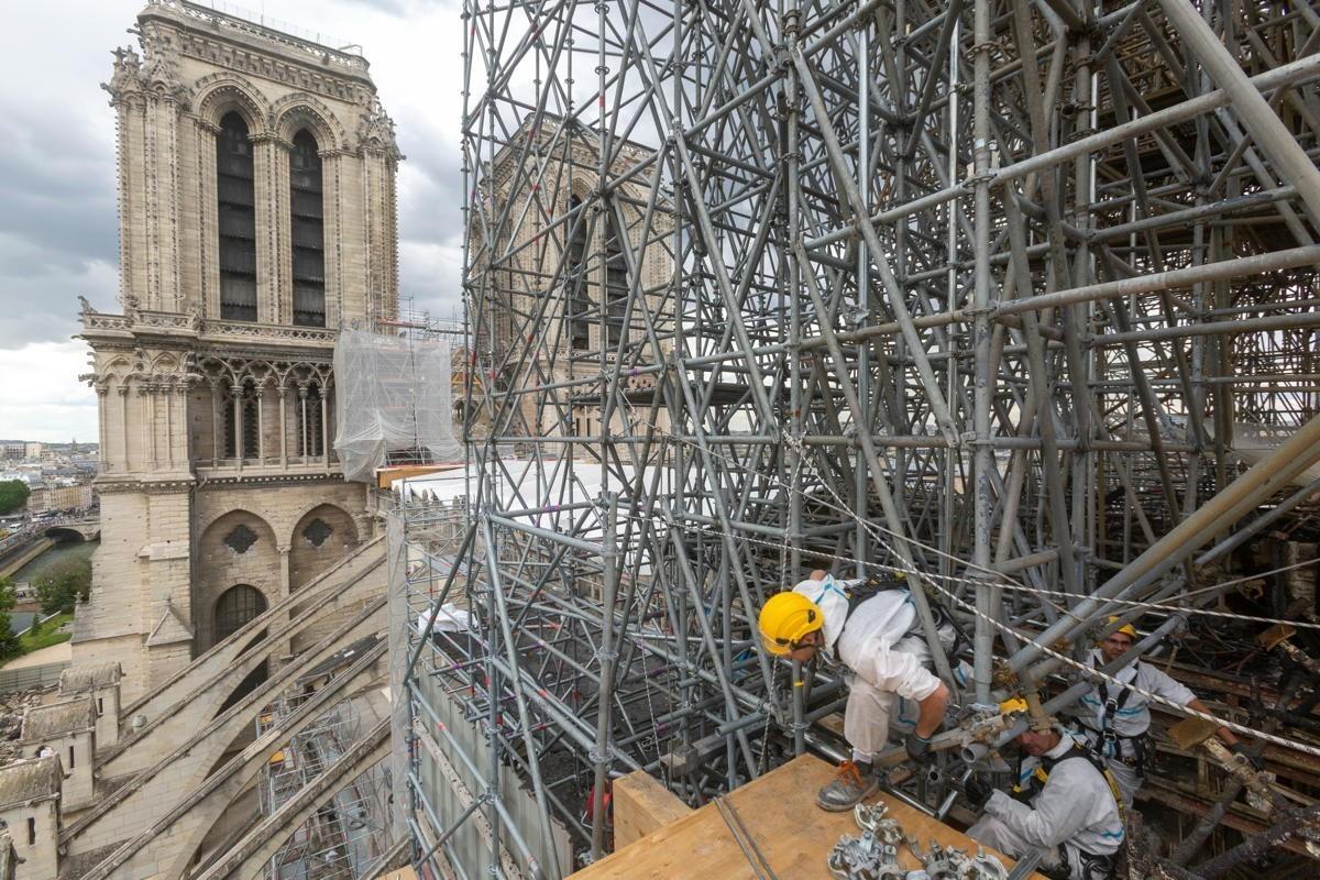 Après l'incendie : un an plus tard, la réouverture de Notre-Dame encore inconnue