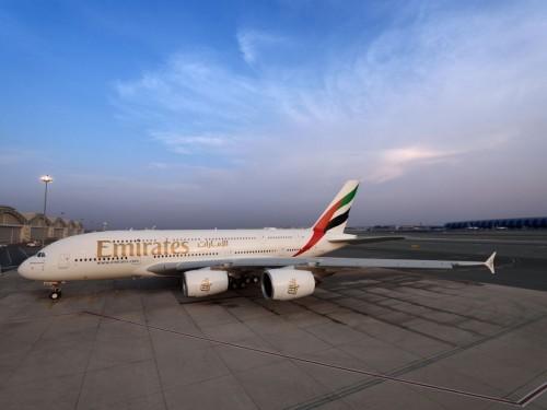 Emirates lance des tests COVID-19 rapides à l'aéroport pour les passagers