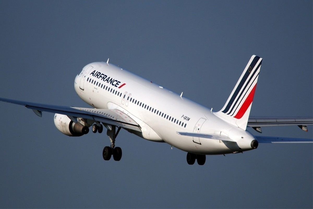 Le port du masque rendu obligatoire sur tous les vols d'Air France et de KLM