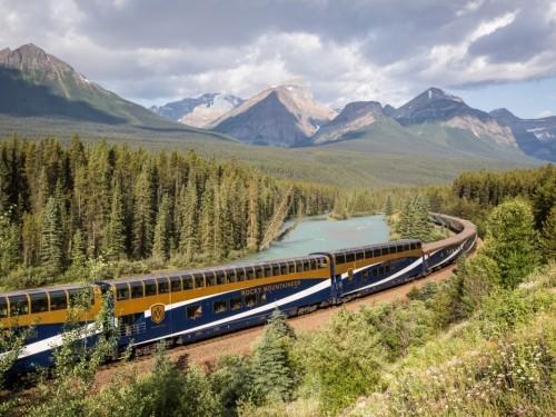 Rocky Mountaineer suspend ses voyages en train jusqu'en juillet