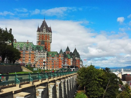 Sondage CAA-Québec : des vacances estivales plus tardives, proches et économes pour les Québécois