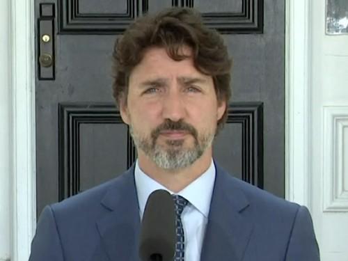 Ottawa se montre très prudent sur la question des voyages internationaux