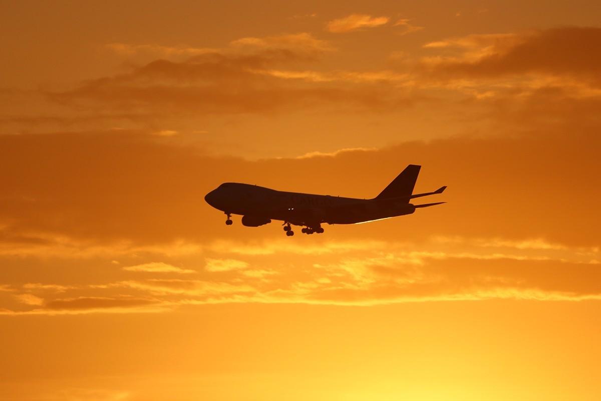 Sondage : les voyageurs restent préoccupés à l'idée de prendre l'avion à l'ère de la COVID