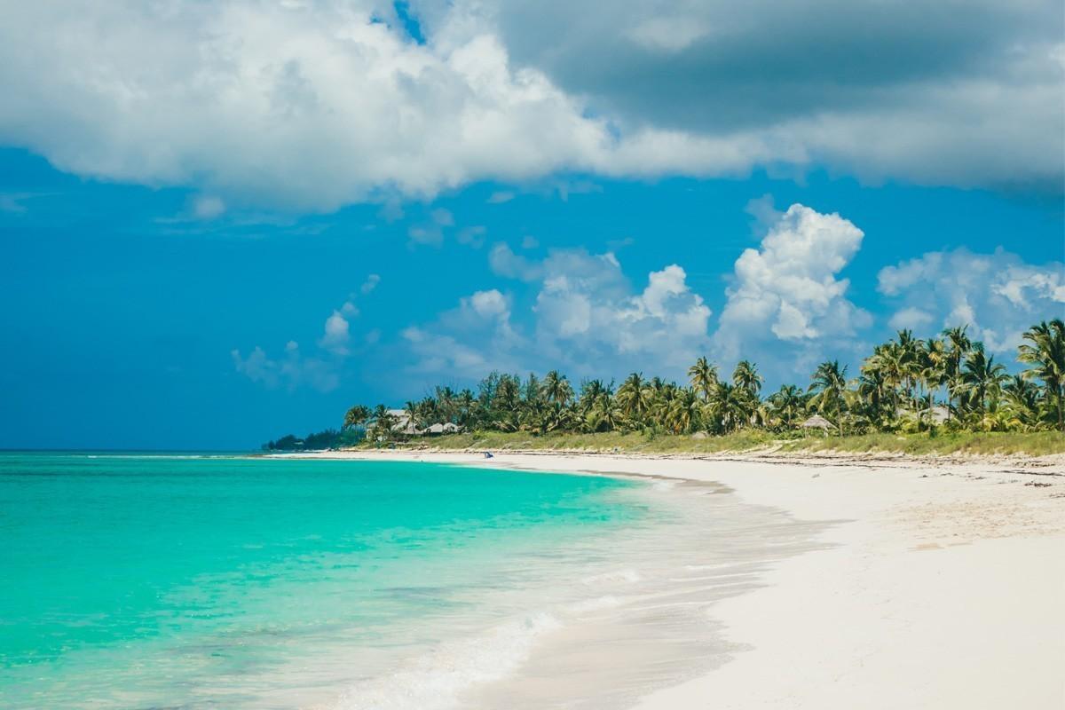 Les voyageurs aux Bahamas doivent maintenant avoir un visa de santé et une preuve de test COVID-19 négatif ; Disney World se prépare pour sa réouverture, le 11 juillet