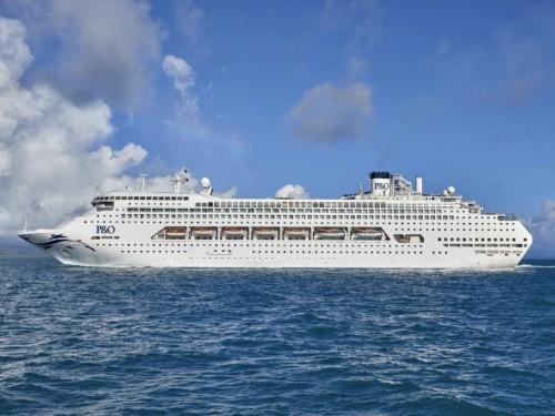 Carnival Corporation va vendre 13 de ses navires alors que les affaires sont à la baisse