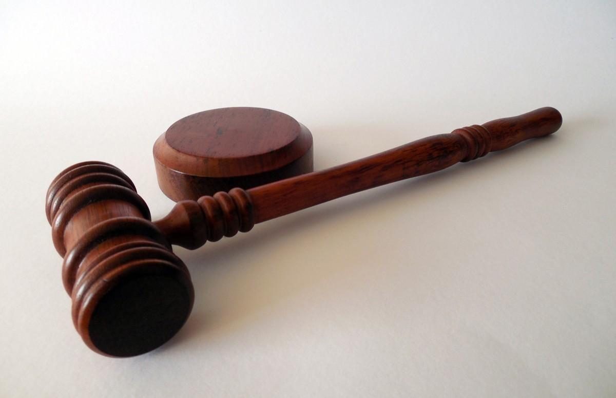 Un Ontarien condamné à 1 130 $ pour ne pas s'être auto-isolé