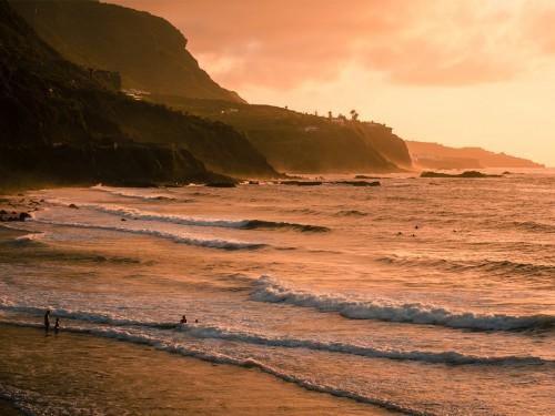 Les îles Canaries offrent une couverture COVID-19 aux voyageurs