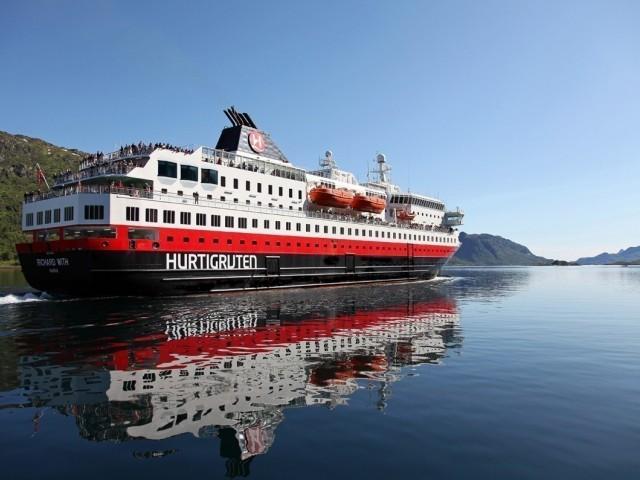 Hurtigruten dévoile une offre exclusive pour les agents avec une promotion sur certaines croisières