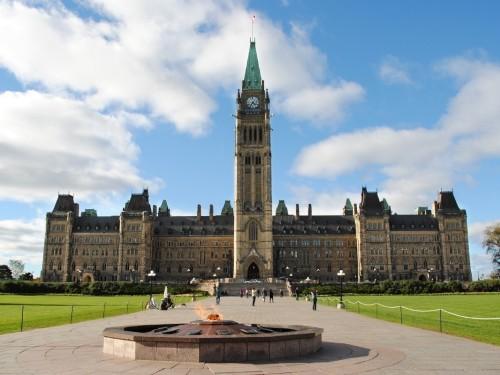 « Si nous n'agissons pas tout de suite, les lignes aériennes canadiennes vont très certainement disparaitre »