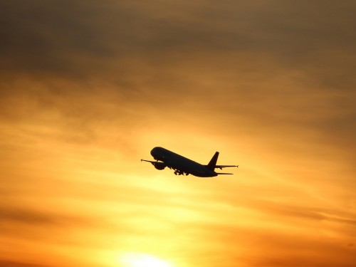 L'industrie aérienne perd près de 400 000 dollars canadiens chaque minute, selon l'IATA