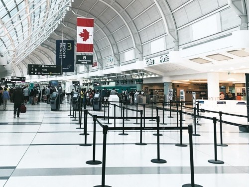 Le dépistage rapide est la « meilleure option » pour les compagnies aériennes canadiennes, selon le SCFP