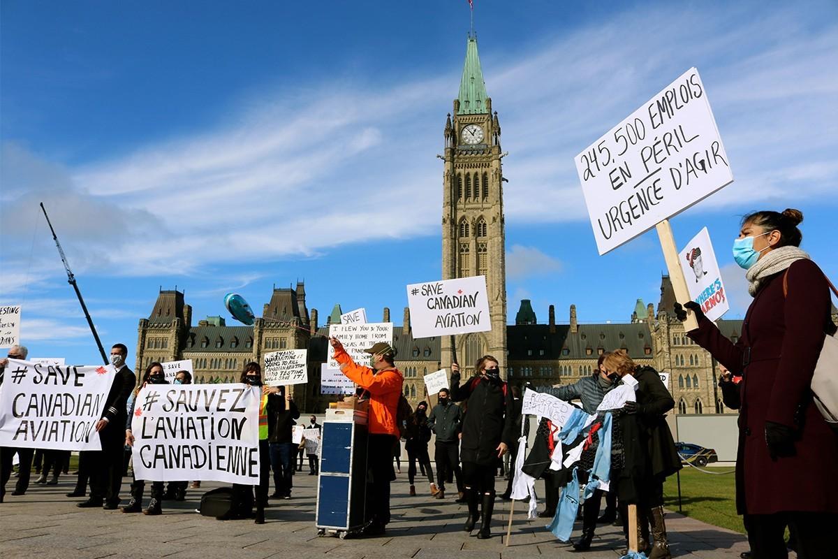 Les travailleurs de l'aviation donnent de la voix à Ottawa