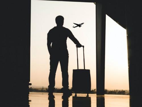 Les voyages à l'origine de 1,8 % des cas de COVID au Canada