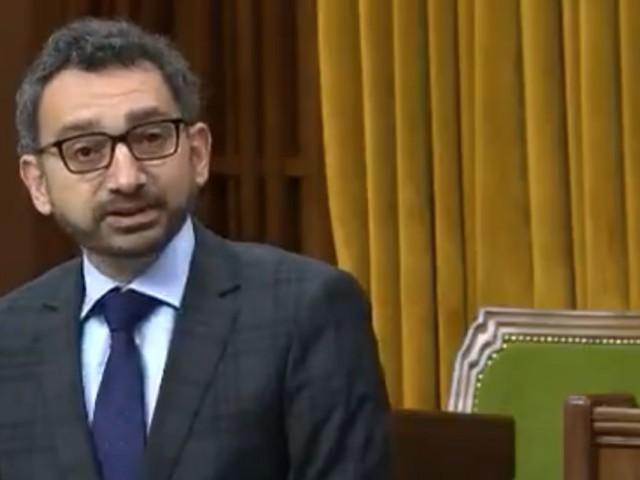 Trudeau invite Alghabra à faire une priorité du remboursement des vols annulés