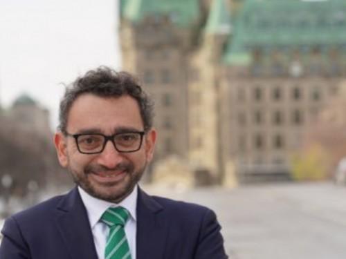 Fin de l'entente entre Air Canada et Transat : le ministre Alghabra souhaite « préserver la viabilité à long terme de Transat »