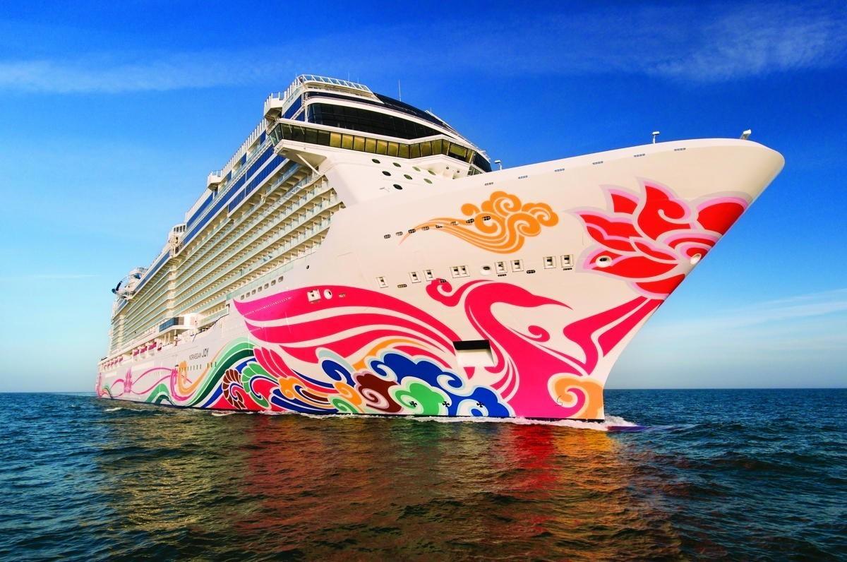 NCL reprend la mer le 25 juillet en Europe et dans les Caraïbes / Sophie Raymond représente maintenant Ultimate Jet Vacations au Canada