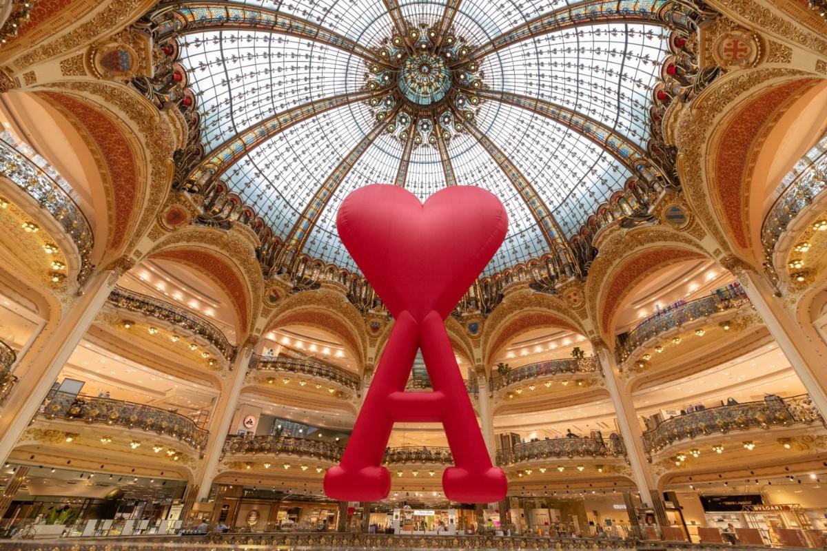 Les Galeries Lafayette lancent l'opération estivale «Paris Mon Amour»